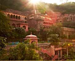 Neemrana Vacation Package